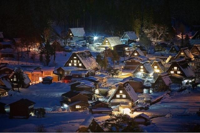 【世界で最も美しい冬の都市 日本・白川郷】