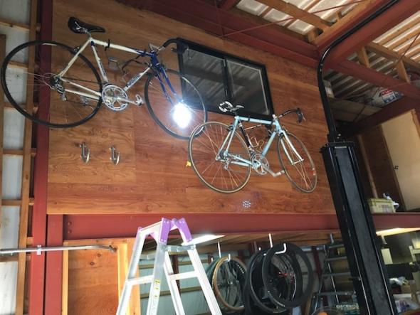 自転車 壁面収納 ディスプレイ