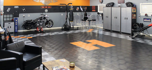 harley-themed-garage-floor.jpg