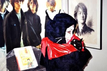 11111111111111halloween cat w mimi glay