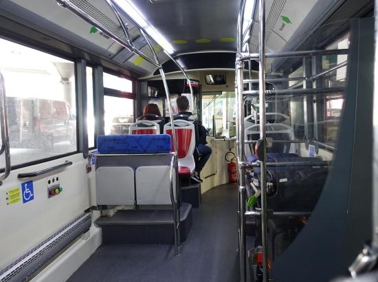 ボロ・バス