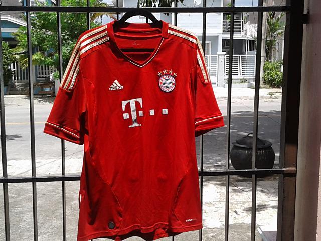 FCバイエルンシャツ