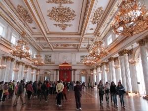 エルミタージュ美術館内の豪華な部屋