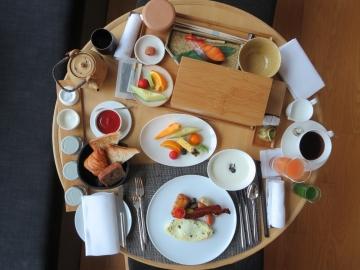 インルームダイニング 朝食