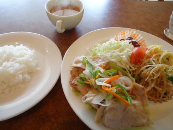 7/29 ソフィア・ポークソテー野菜ソース
