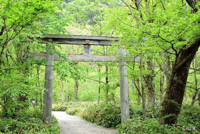 152-New-Emi-穂高神社奥宮鳥居