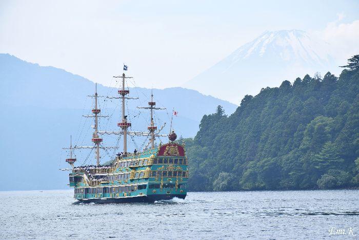 014-New-Emi-海賊船-富士山