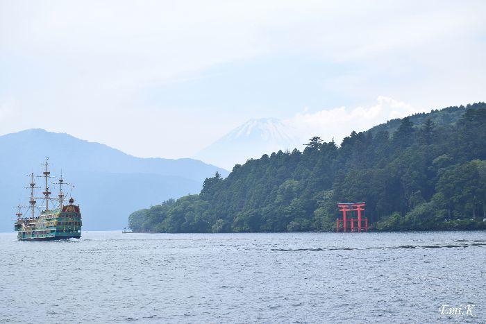 015-New-Emi-海賊船-富士山-箱根神社の鳥居