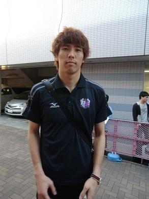 12 4 ジンヒョン選手 390