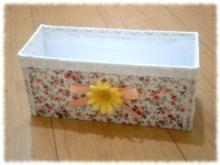 長方形花柄ボックス