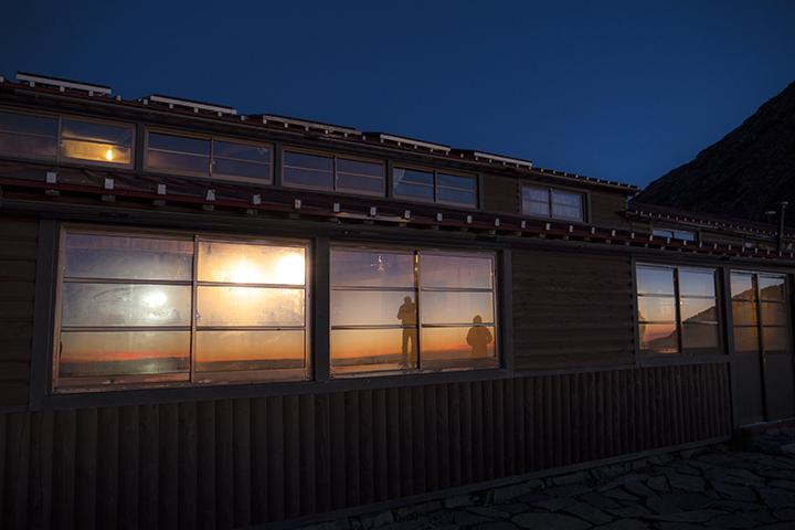 170802 夜明けの窓