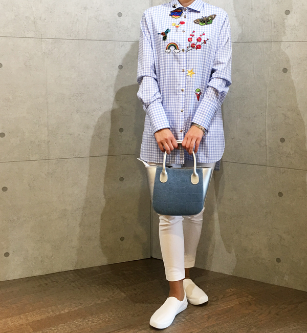 エルマンノの刺繍とワッペン付きギンガムチェックのシャツ