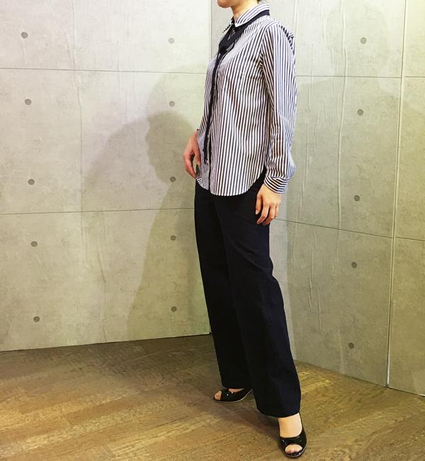 アヴァンルタンのボータイ付きシャツブラウスとワイドパンツ