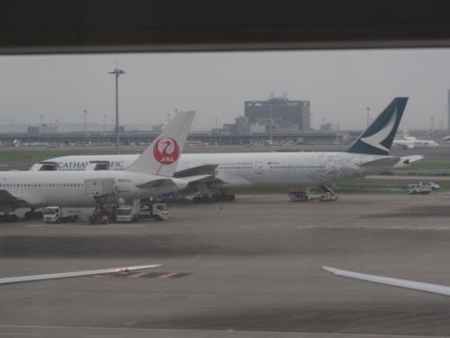 01hongkongairplane.jpg