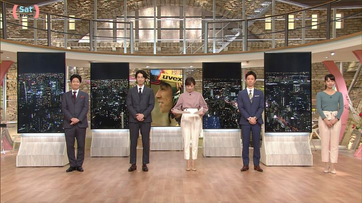 2017年11月11日紀真耶の画像01枚目