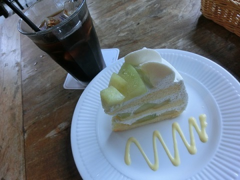 メロンケーキ&アイスコーヒーCIMG5216