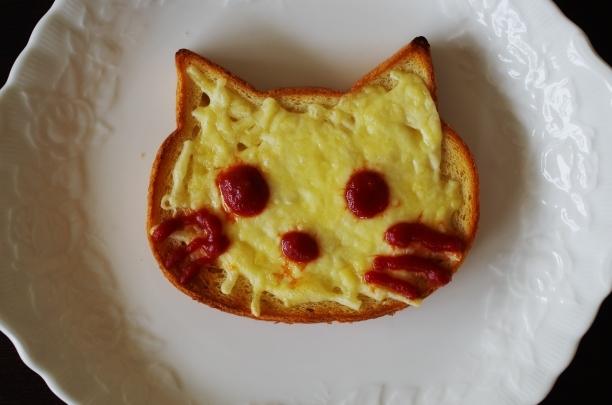 いろねこ食パン2