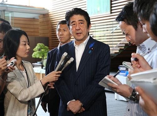 北朝鮮への独自制裁の一部解除を表明する安倍晋三(しんぞう)首相=2014年7月3日午前、首相官邸(酒巻俊介撮影)