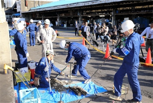 築地市場で行われた土壌調査(5月2日、東京都中央区)築地市場の土壌汚染調査、基準超の水銀など検出