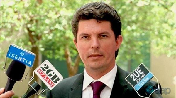 オーストラリアの議員、二重国籍で9年間議員活動し辞職!帰化時に手続き済みと誤解…→ ネットの反応「どこかの誰かはどうすんだ?」