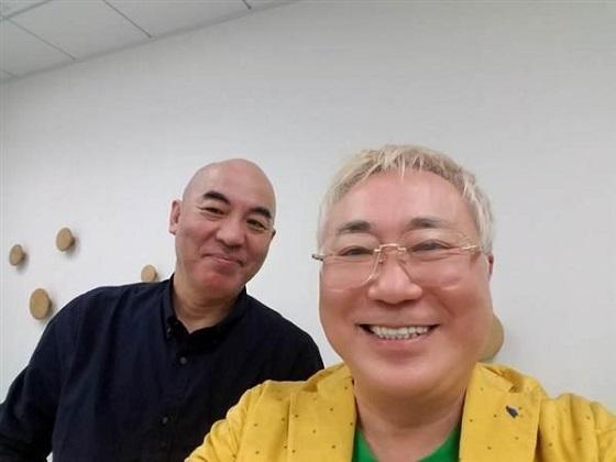 高須克弥さん(右)と百田尚樹さん(高須克弥さんのブログから)