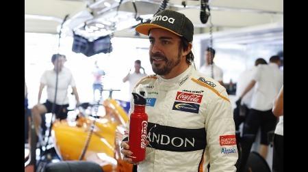 アロンソ、NASCARマシンをドライブ