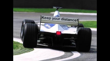 フェルスタッペン父、周回遅れなのにトップと絡んでモントーヤの初優勝を奪う@F1ブラジルGP