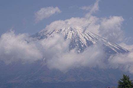 1705111238富士山