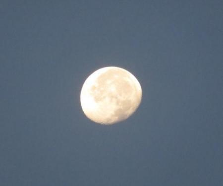 山の日天山お月さん 004