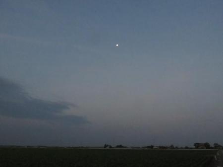 山の日天山お月さん 005