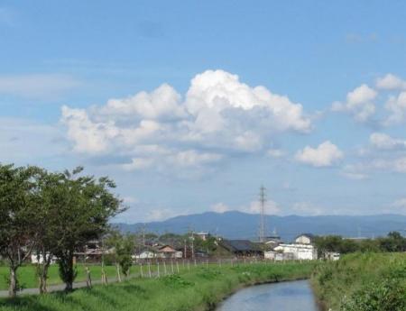 昼は入道雲運動公園 057