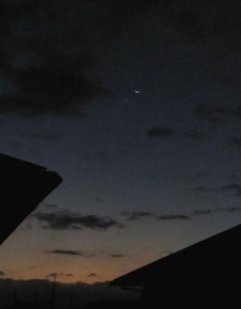 三日月と金星接近 018