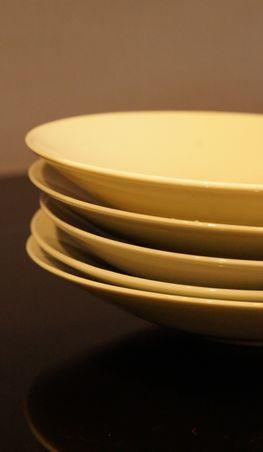 青白磁陰刻紋皿3