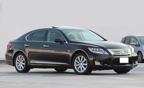2010-LEXUS-LS600hL-medium_01
