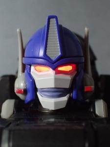 トランスフォーマー マスターピース MP38 コンボイ (BW) 伝説の総司令官Ver ロボットモード (9)