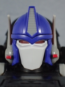 トランスフォーマー マスターピース MP38 コンボイ (BW) 伝説の総司令官Ver ロボットモード (11)