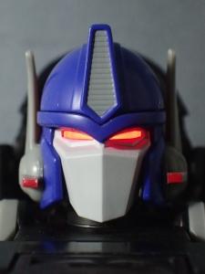 トランスフォーマー マスターピース MP38 コンボイ (BW) 伝説の総司令官Ver ロボットモード (13)