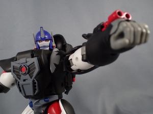 トランスフォーマー マスターピース MP38 コンボイ (BW) 伝説の総司令官Ver ロボットモード (17)