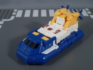 Transformers Generations Titans Return Legends Class Seaspray (4)