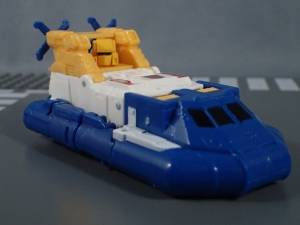 Transformers Generations Titans Return Legends Class Seaspray (15)