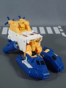Transformers Generations Titans Return Legends Class Seaspray (16)