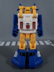 Transformers Generations Titans Return Legends Class Seaspray (19)