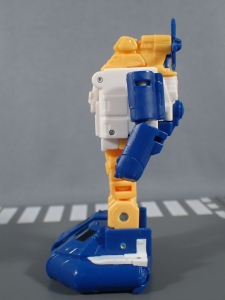 Transformers Generations Titans Return Legends Class Seaspray (21)