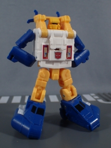 Transformers Generations Titans Return Legends Class Seaspray (24)