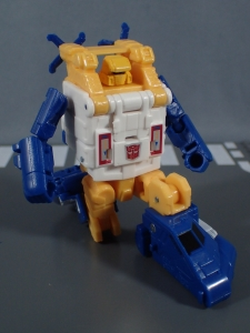 Transformers Generations Titans Return Legends Class Seaspray (25)