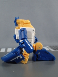 Transformers Generations Titans Return Legends Class Seaspray (26)