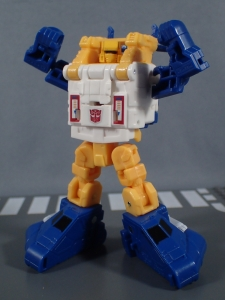 Transformers Generations Titans Return Legends Class Seaspray (27)