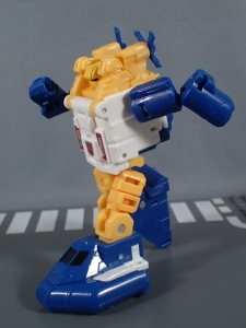 Transformers Generations Titans Return Legends Class Seaspray (30)