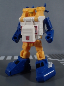 Transformers Generations Titans Return Legends Class Seaspray (31)