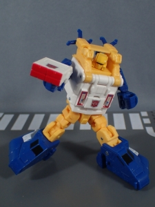 Transformers Generations Titans Return Legends Class Seaspray (34)